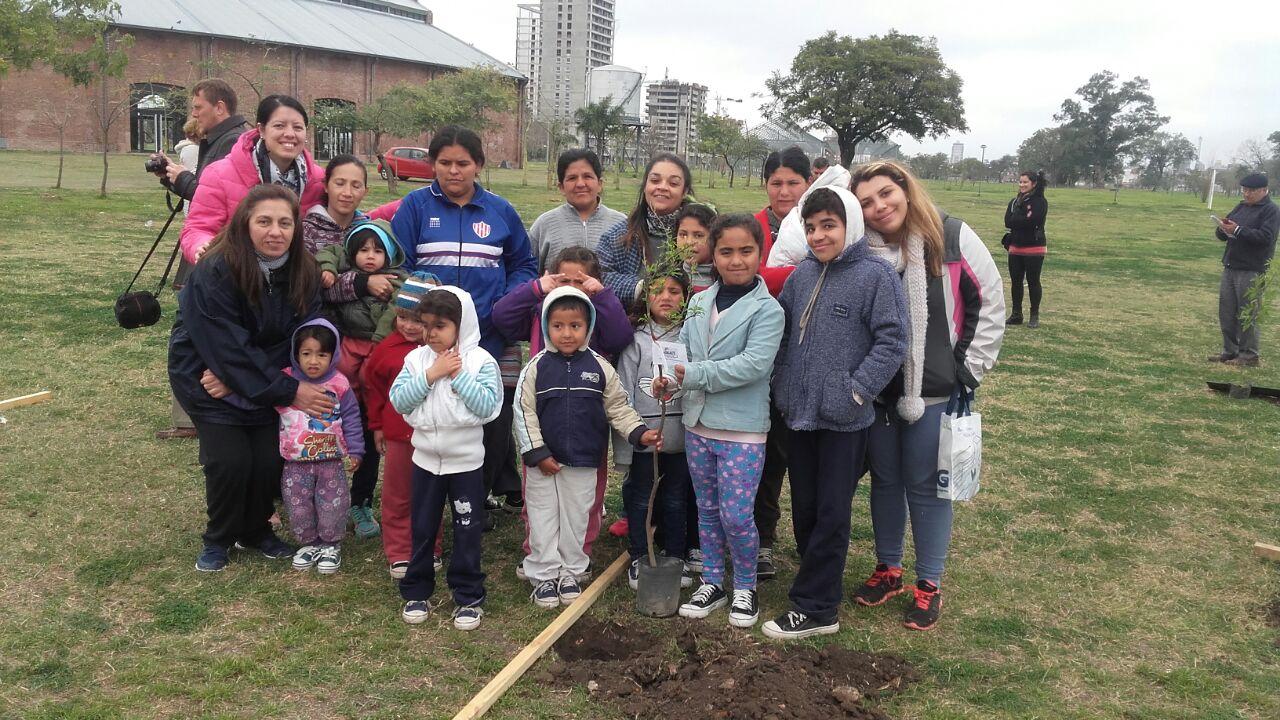 """Plantamos nuestro árbol en """"Arboleda de los sueños"""""""