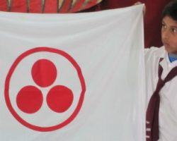 Entrega de la Bandera de la Paz a la escuela Bustamante de Santo Tomé