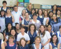 La bandera de la paz en la escuela Julio Bello